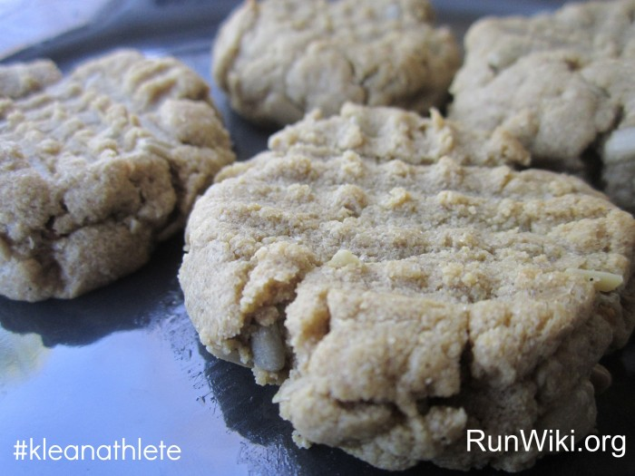 7 ingredient Sunbutter Cookie recipe- this dessert is so easy, clean and healthy