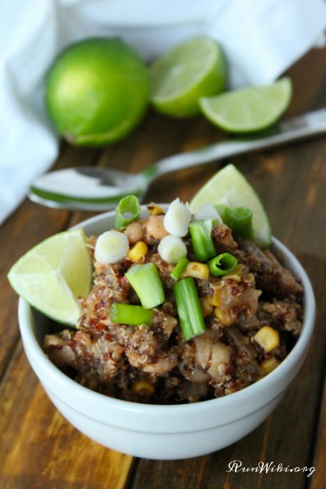 Easy weeknight Slow Cooker | Crock Pot Vegan Taco Chili- love this recipe because there is NO prep required, just dump and go. Perfect quick and easy weeknight meal for busy families. So difficult to find vegetarian dinner ideas that are kid friendly -- this one is a winner. Meal Ideas for Runners